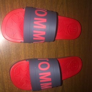 Tommy Hilfiger slides size 10 , small , never worn